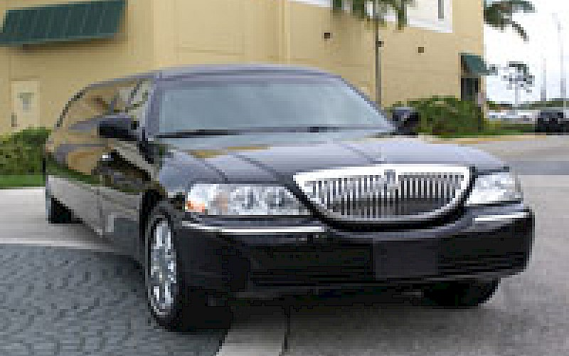 West Palm Beach Stretch LimoFort Lauderdale Stretch Limo