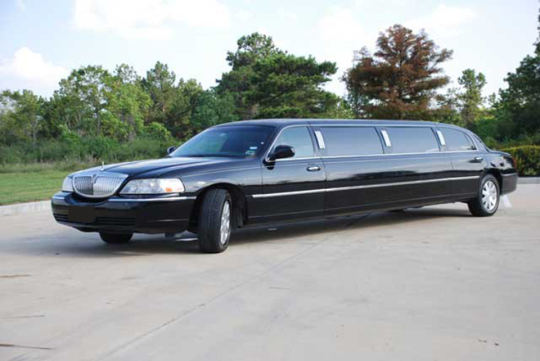 black lincoln limo service