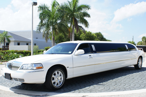 Miami White Lincoln Limo