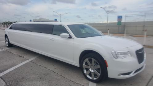Palm Beach White Chrysler 300 Limo