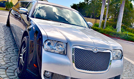 Miami Silver/Black Chrysler 300 Limo