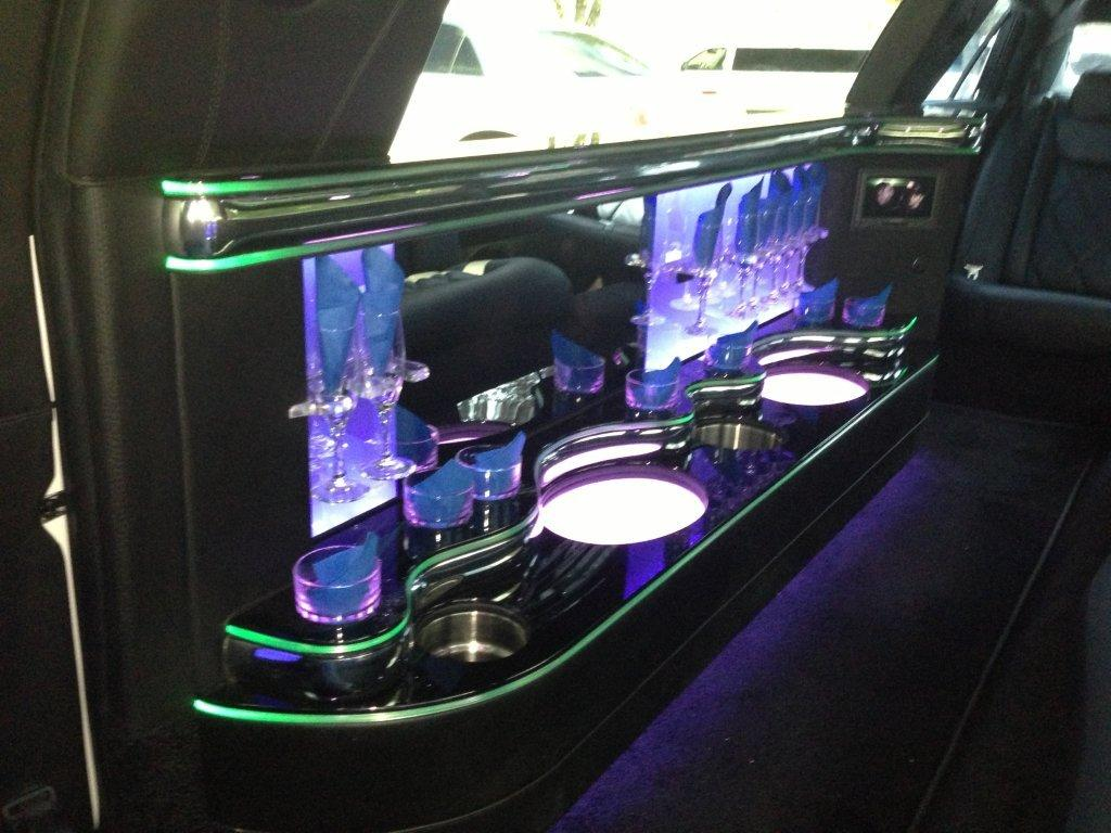 Miami Black Lincoln Limo