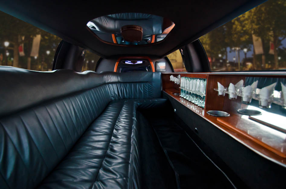Venice Black Lincoln Limo