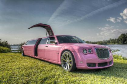 Saint Petersburg Pink Chrysler 300 Limo