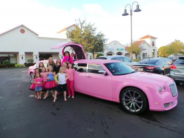 Bonita Springs Pink Chrysler 300 Limo
