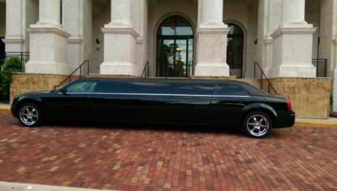 Clermont Black Chrysler 300 Limo