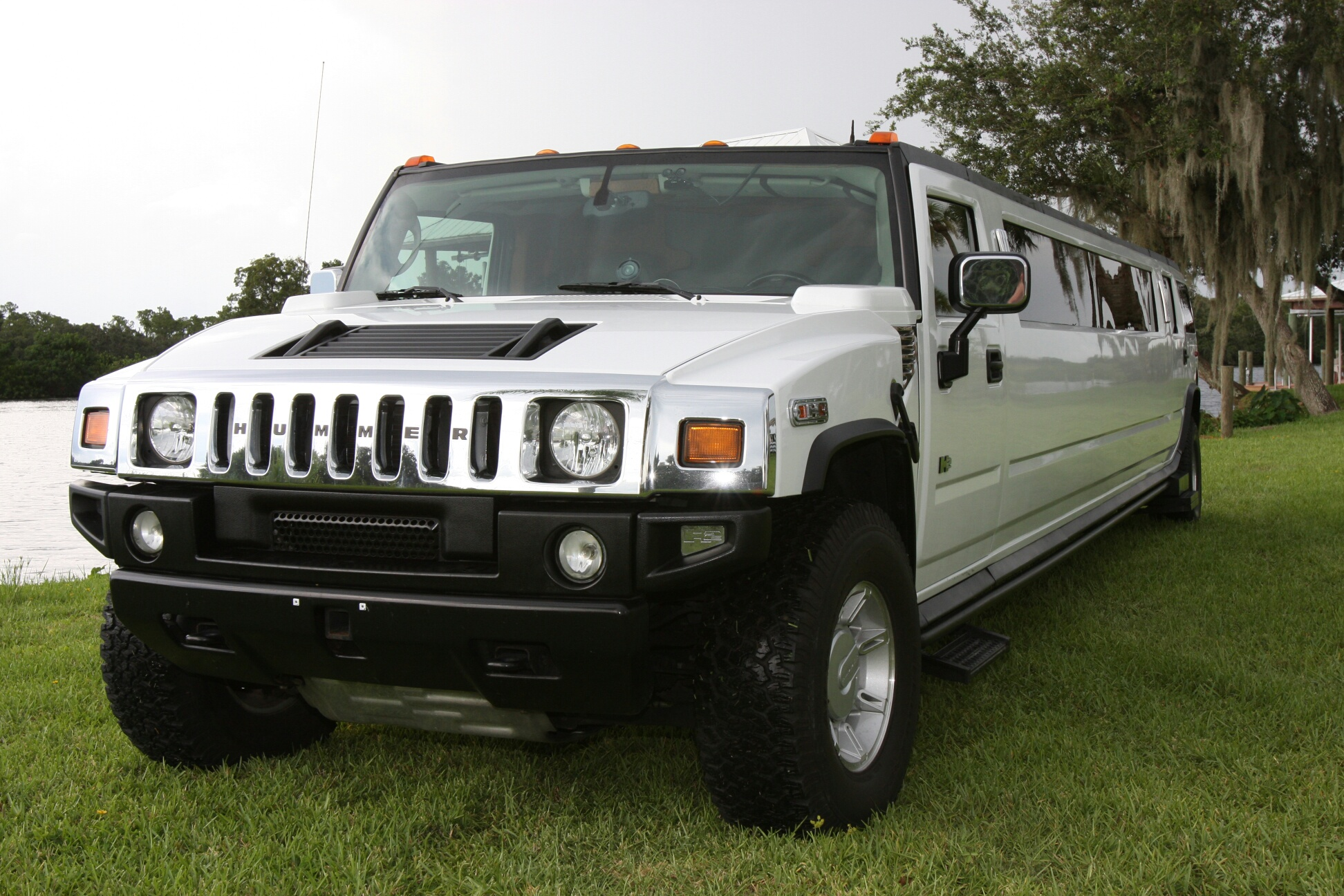 Winter Park White Hummer Limo