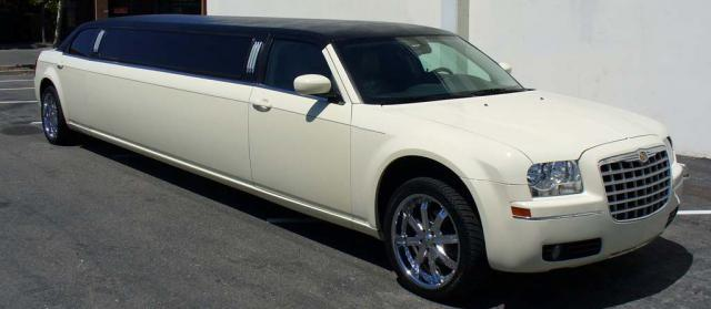 North Port White Chrysler 300 Limo