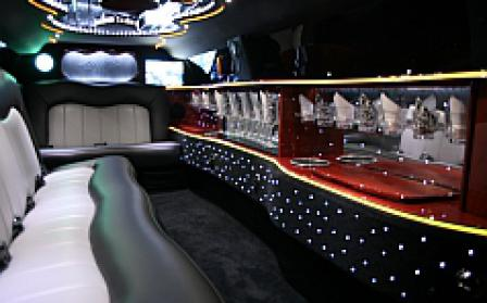 North Port Tuxedo Chrysler 300 Limo